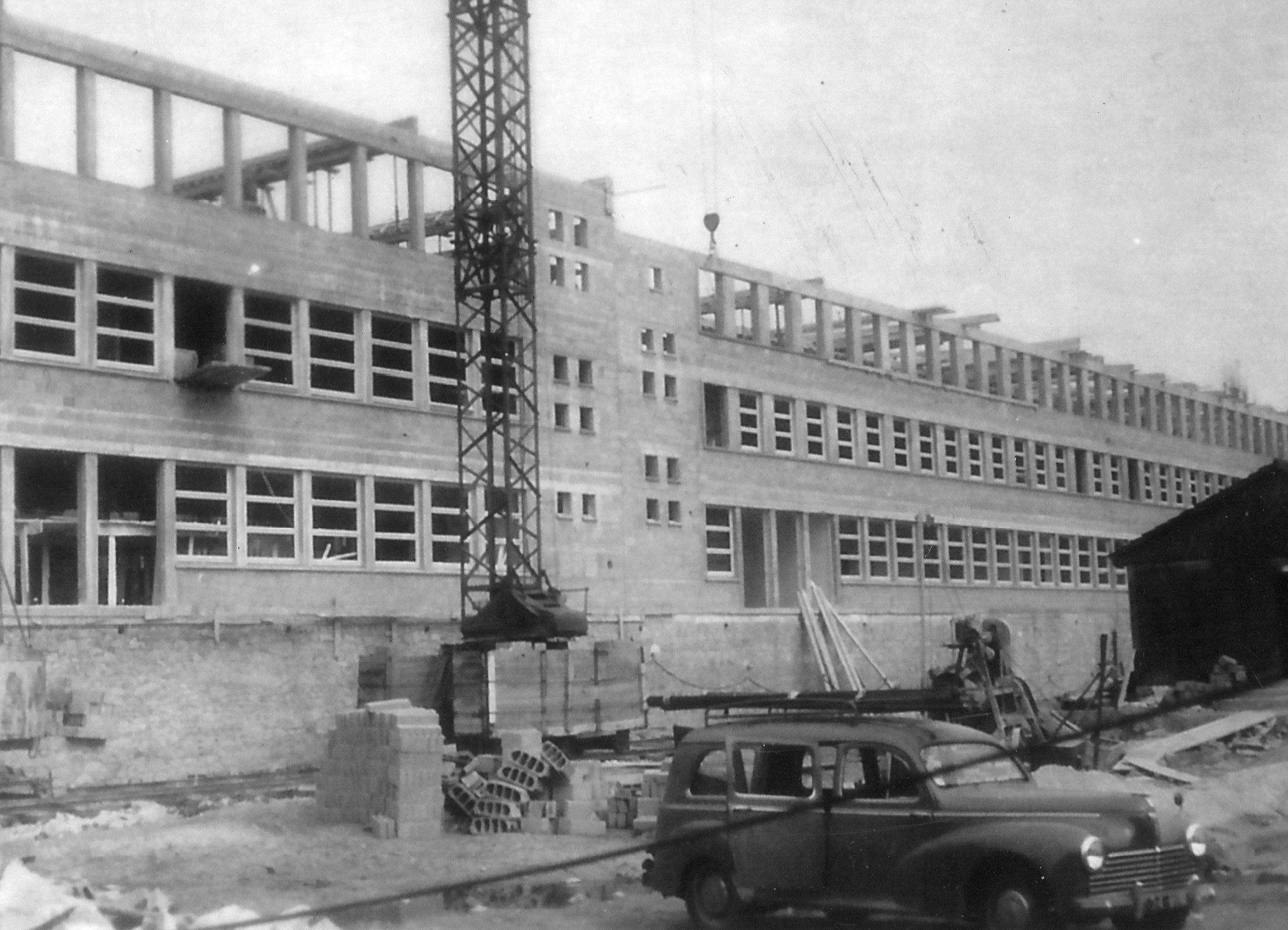 La construction du lycée en 1957
