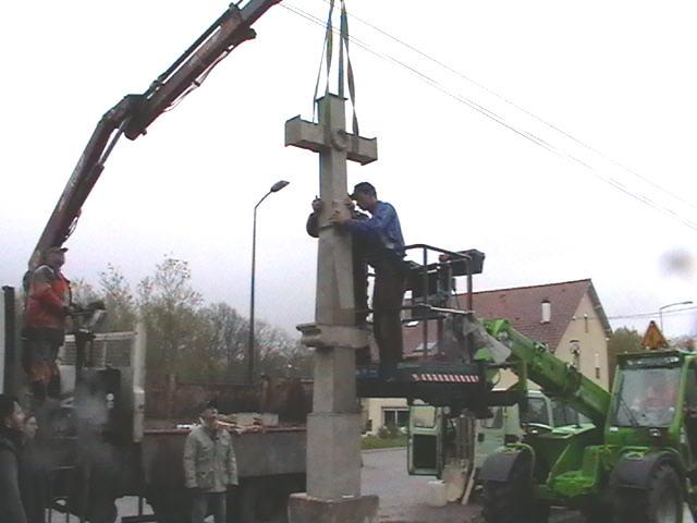 Rénovation de la croix de Saint-Nabord
