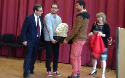 Un cadeau offert au recteur de l'académie Nancy-Metz