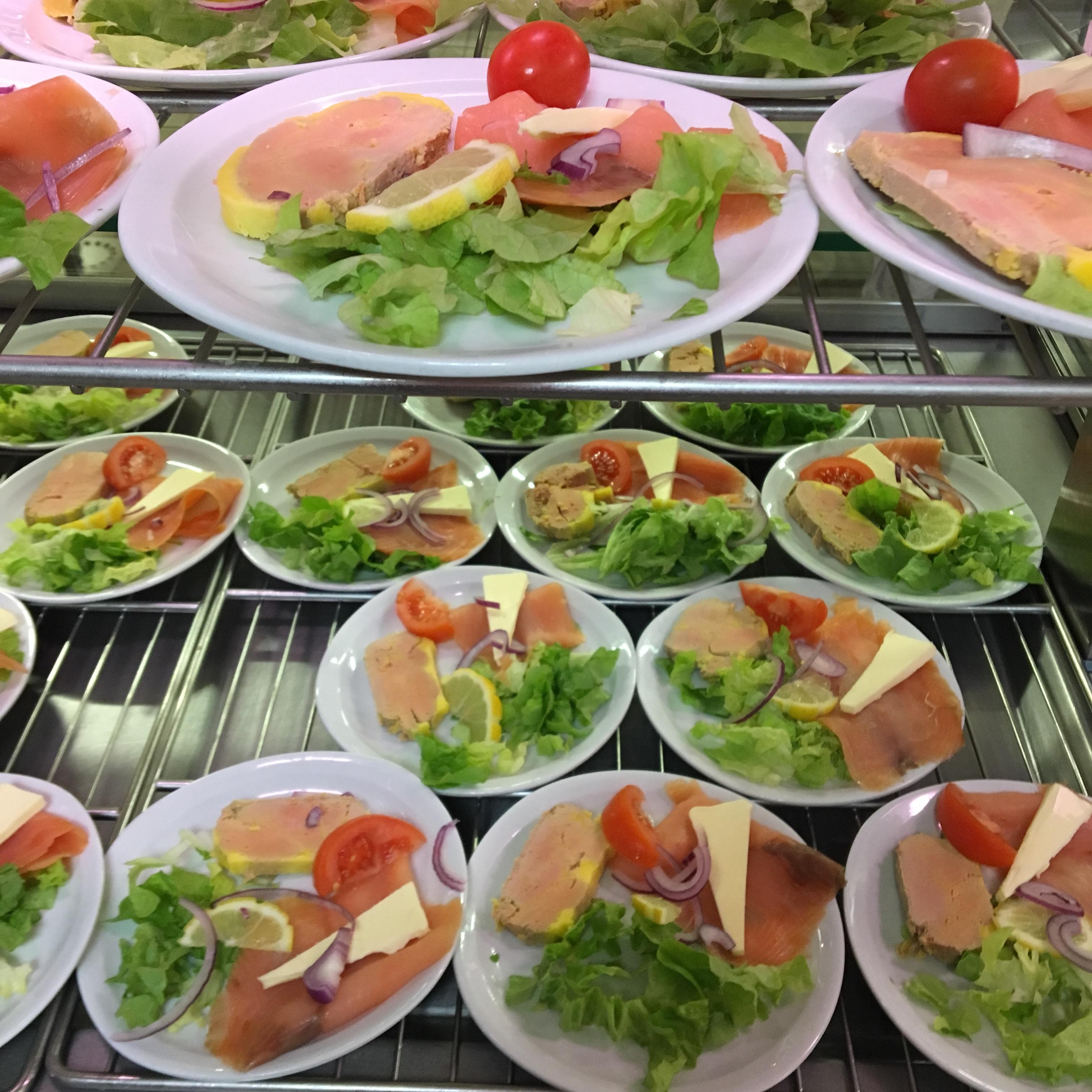 Assiette de saumon et foie gras